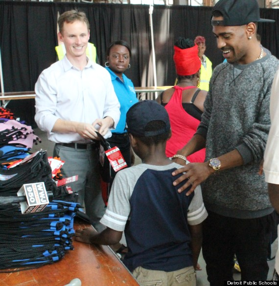 Big Sean Handing out Supplies. Credit: Huffington Post
