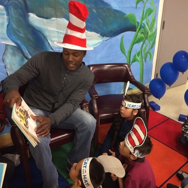 Flex Alexander engaging kiddies during story time. Image Courtesy: IG