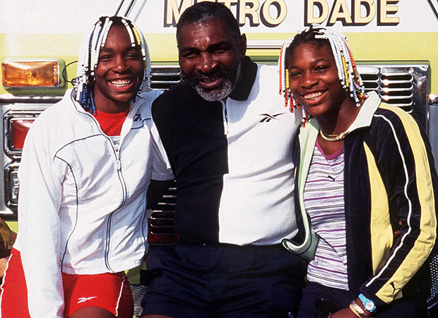 venus-and-serena-with-dad